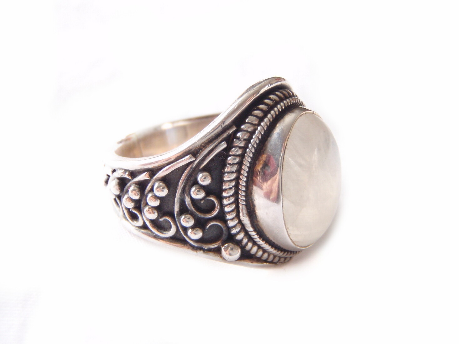 Vintage Sajen Moonstone Silver Boho Statement Ring