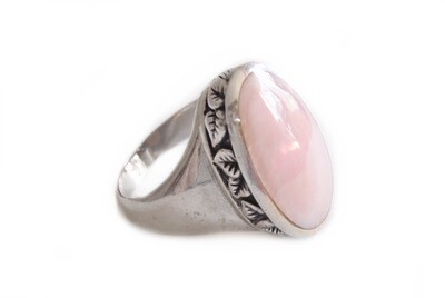 Vintage Silver and Pink Quartz Ladies Statement Ring