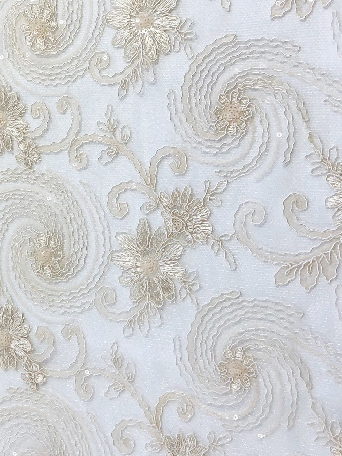 Ivory Floral Lace Table Overlay (J) 00016