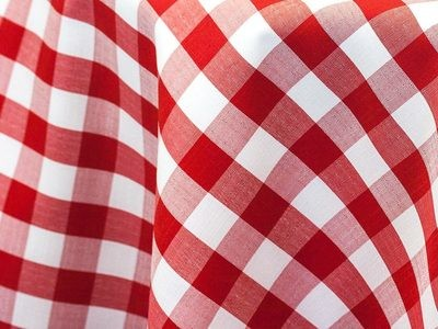 Red & White Linen Check Tablecloth