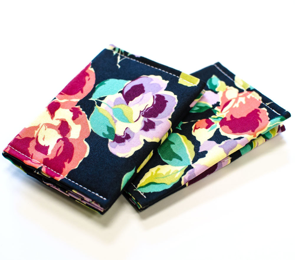 Credit card holder slim wallet business card holder credit card measurements closed 425 x 3 open 425 x 575 pockets 3 78 x 2 magicingreecefo Image collections
