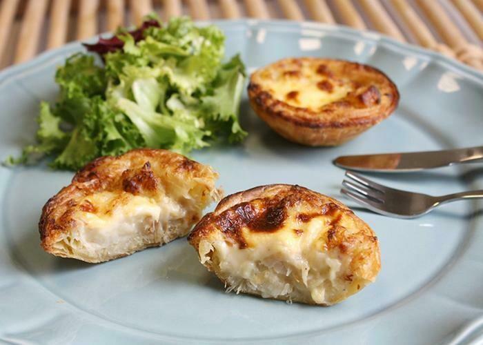 Bacalhau c/Natas Pasteis - Salted Cod Fish Quixe Pies (2 Dozen - 24 pcs) (Ships Separately - Ships Next Day)