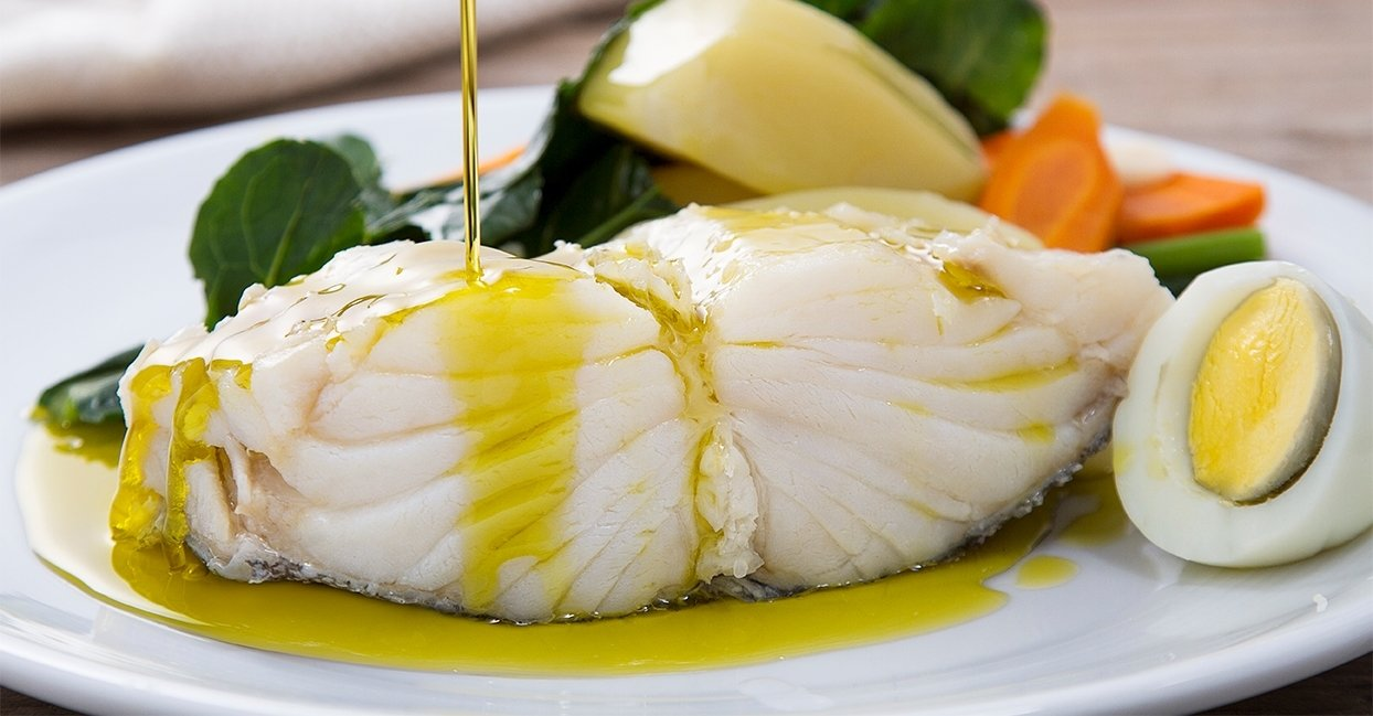1 LB - Dry Salted Cod (Bacalhau) with Skin and Bone (Norway) (Choose Thickness)
