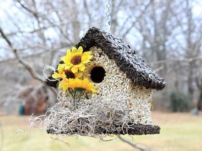 Edible Bird Feeder - Dark Roof Short Birdhouse