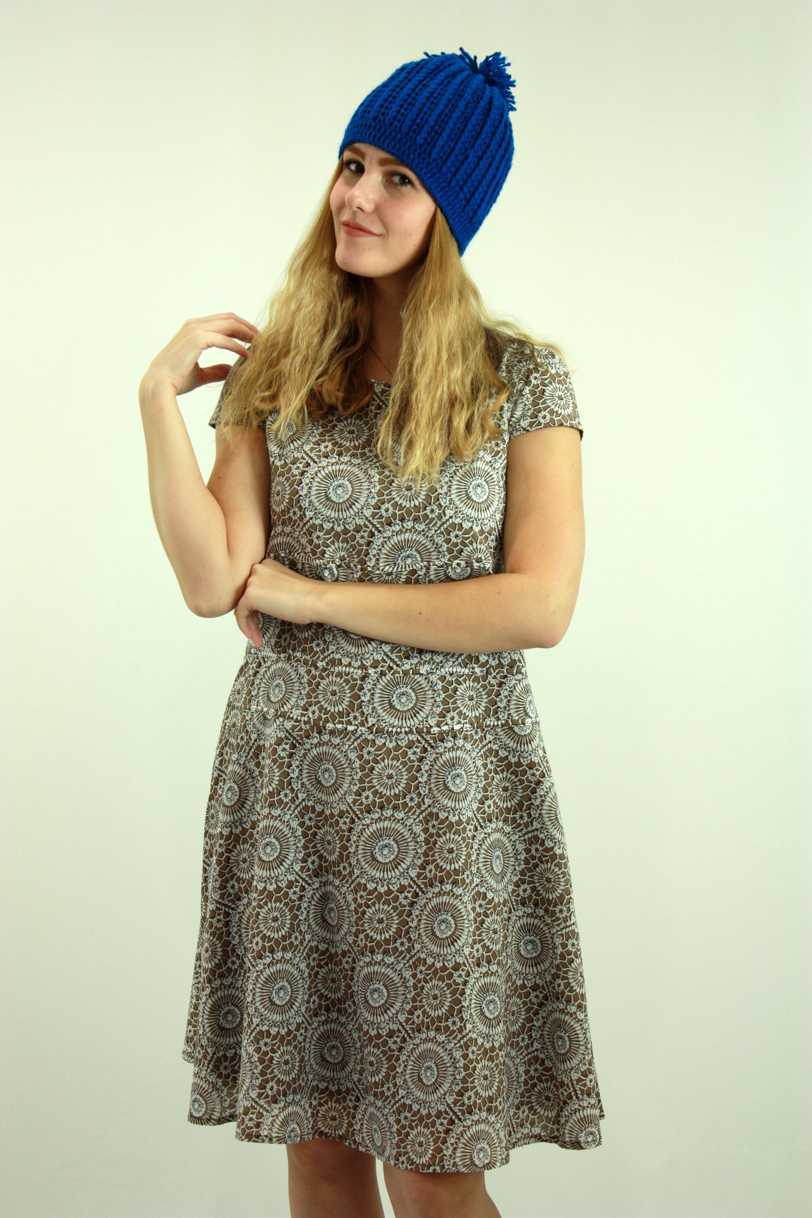 Pool camel sleeved dresses