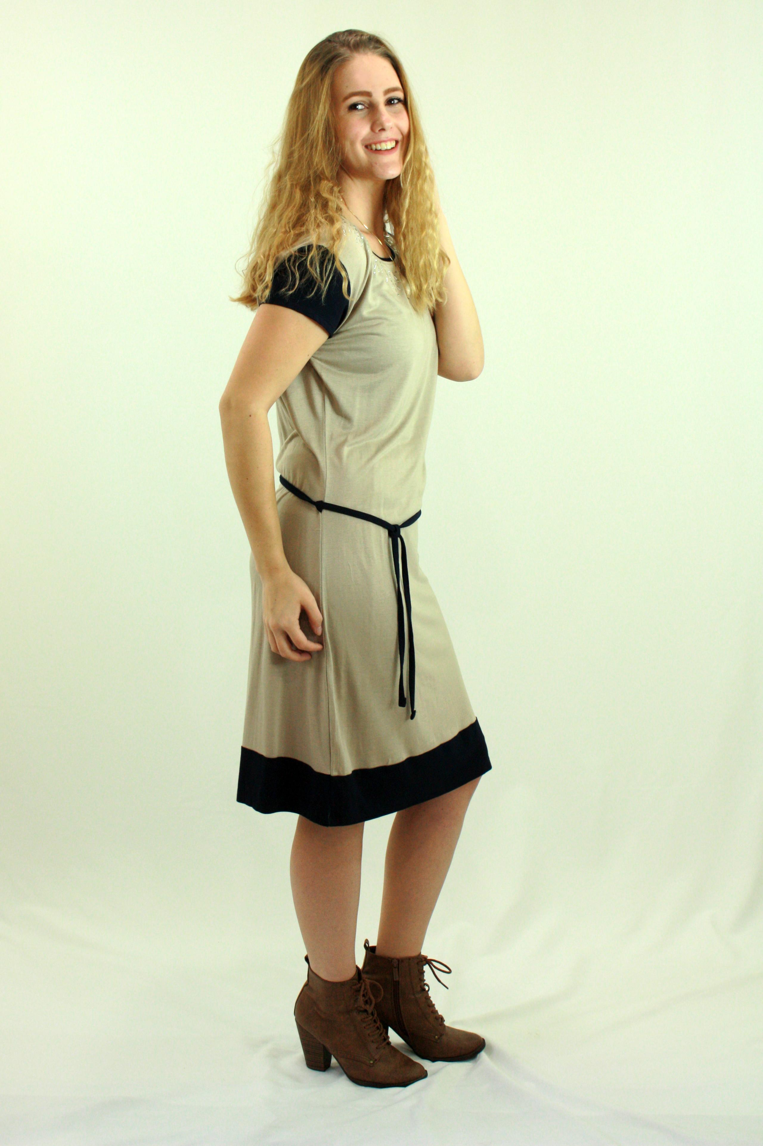 Bi coloured sleeve dress