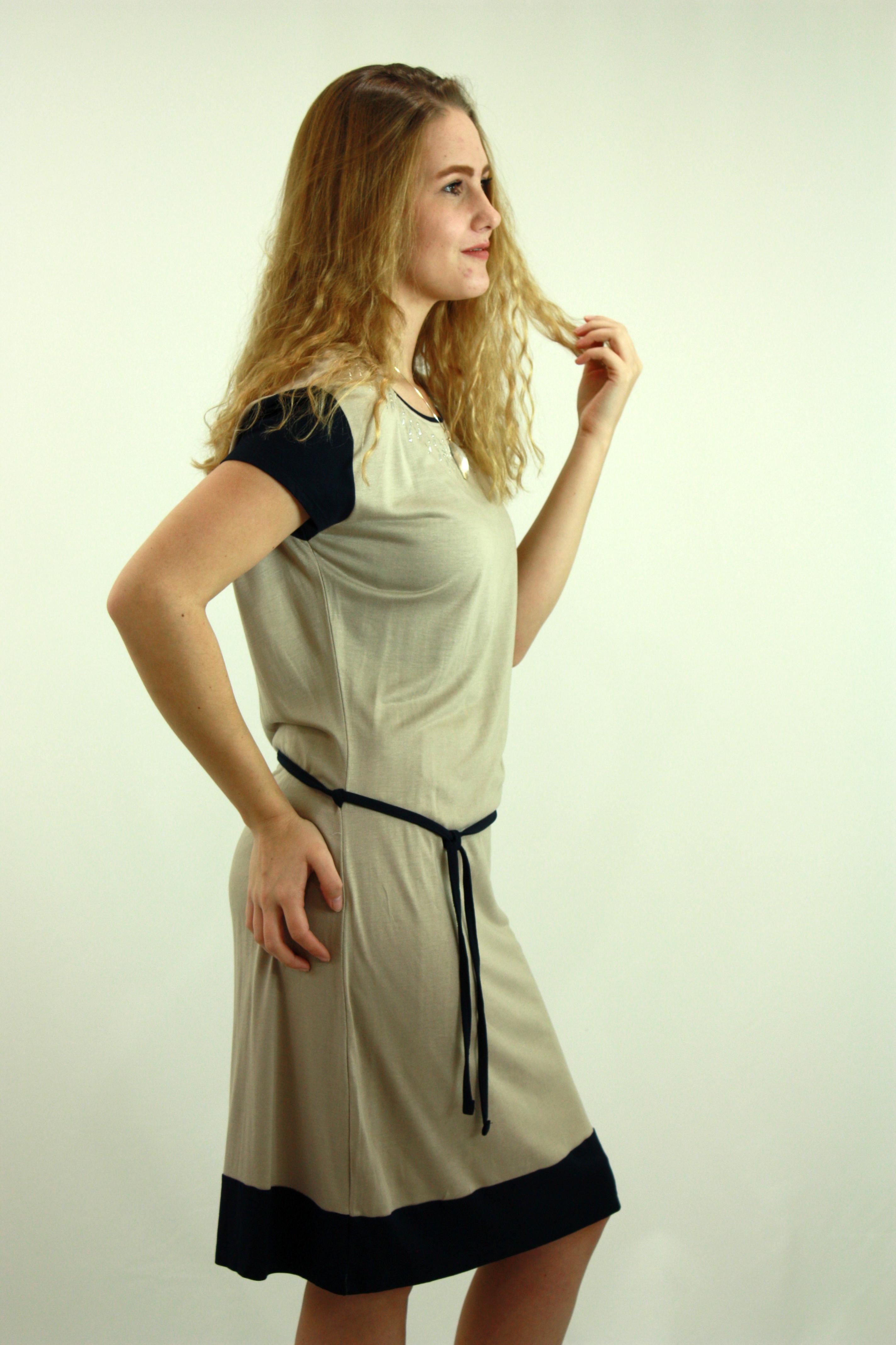 Grey sleeve dress