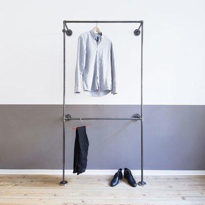 Offener kleiderschrank stange  Industrial Design-Möbel aus Wasserrohr & Temperguss-Fittings von ...