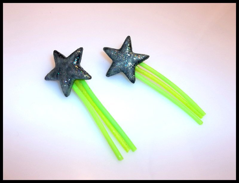 Glowing Vinyl Shooting Star Stud Earrings