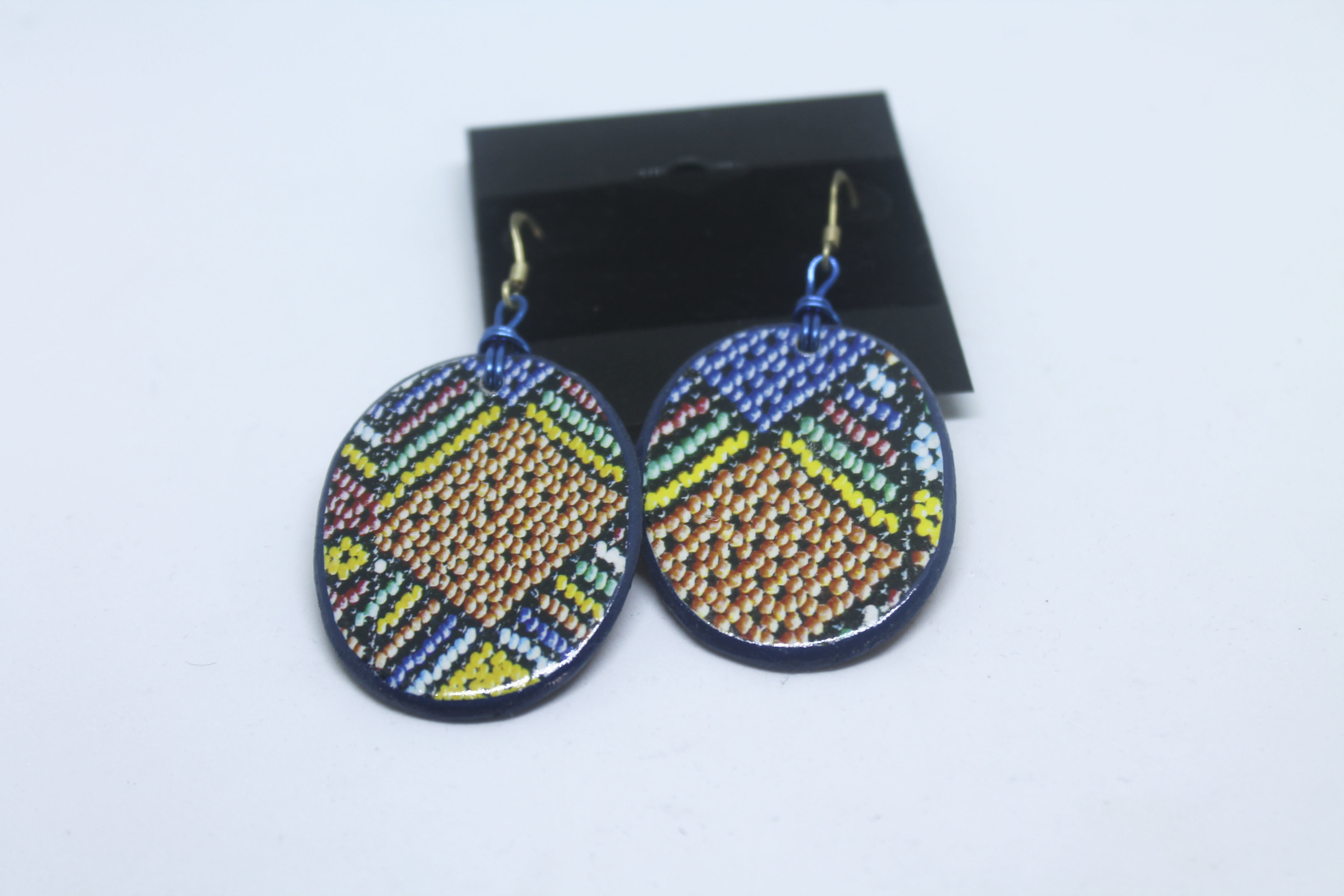 IMAGE ON WOOD EARRINGS 00154