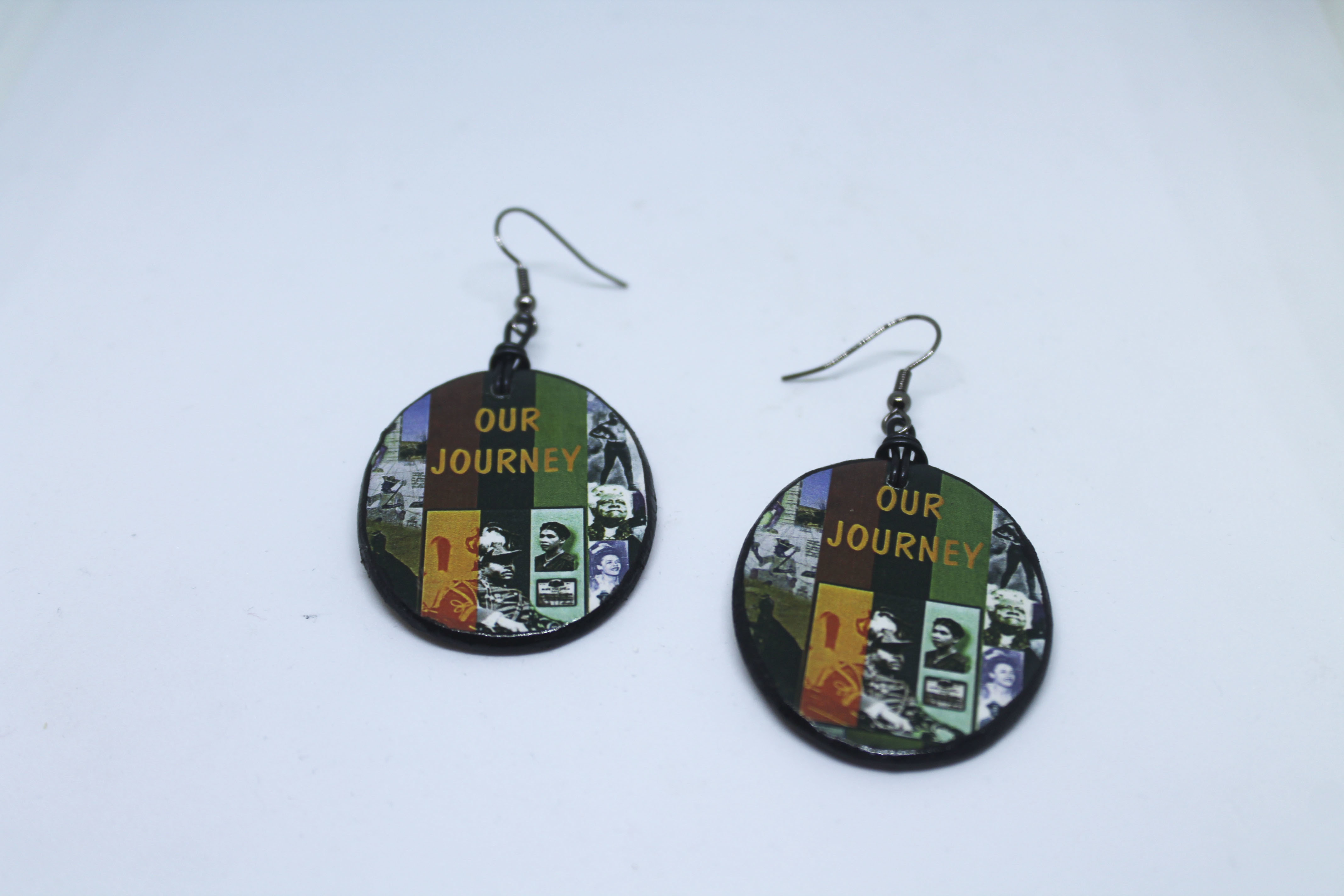 IMAGE ON WOOD EARRINGS 00165