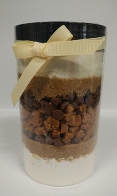 Recipe in a Jar - Choc Chip Salted Caramel Cookie Mix 640g