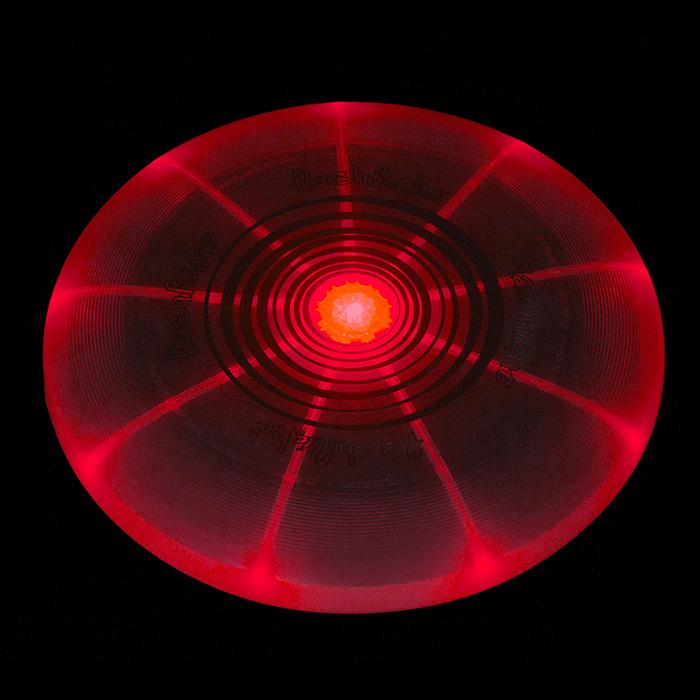 Disque volant Flashflight® à D.E.L. FFD-08-10 rouge de Nite Ize