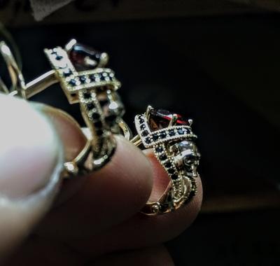 Skulls Queen Earrings