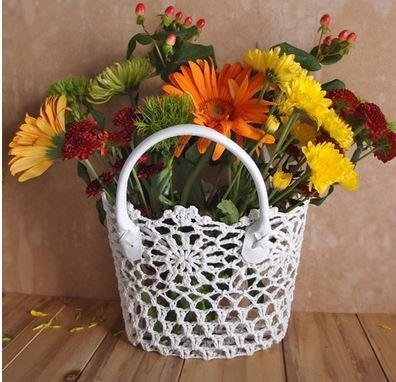 "Lace Baskets with handle, 8""x 4 1/2""x 6 1/2"", Price Each"