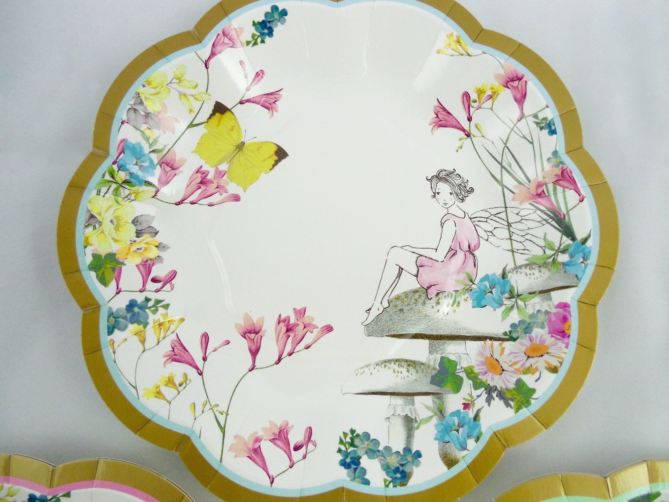 Truly Fairy Scallop Edge Plate