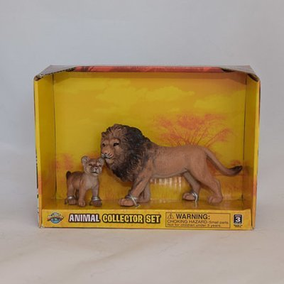 Lion and cub toy set