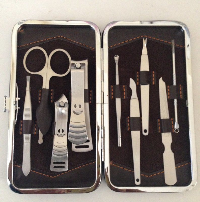 Pedicure / Manicure Set Nail Clippers Cleaner Cuticle Kit Case