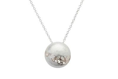 Unique & Co Silver Necklace