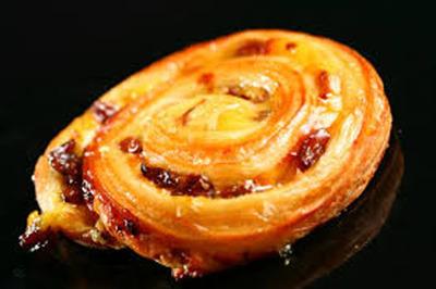 176. Croissant - Raisin