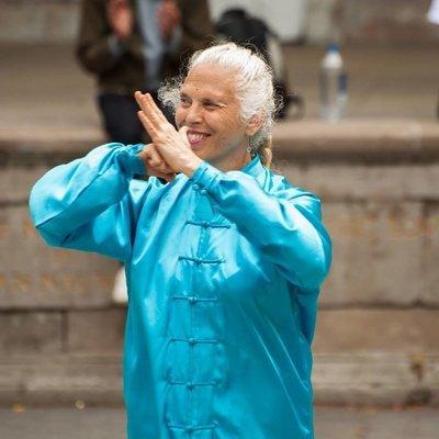 Sharon Smith - The Tao of Bone Health. Queen Concerns