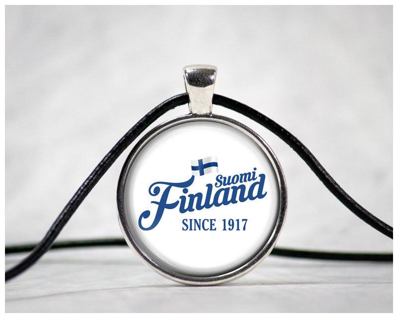 """Suomi Finland - since 1917"" Cabochon mit Lederhalsband M1-FT 00188"