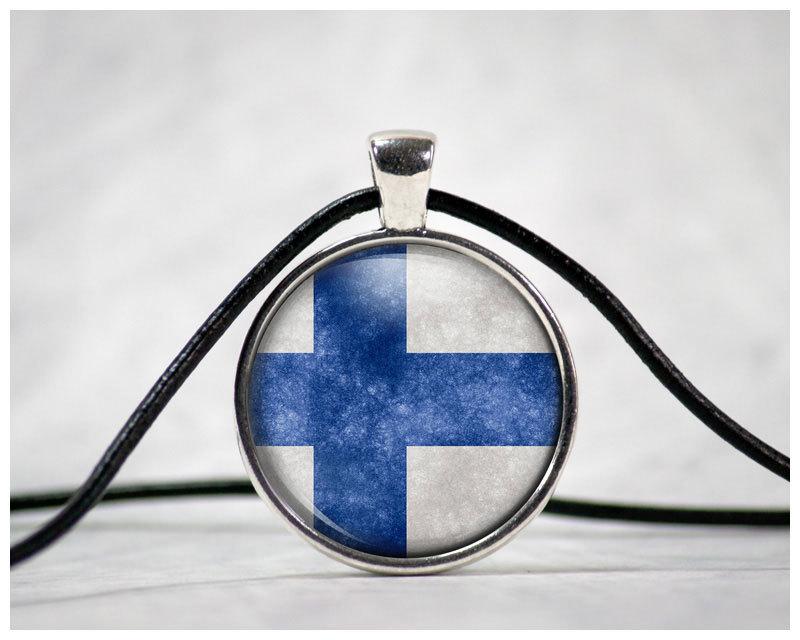 """Finnland-Flagge"" Cabochon mit Lederhalsband"