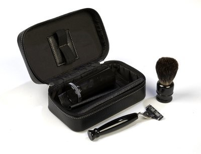 MACH 3 TRAVEL SHAVING KIT #4