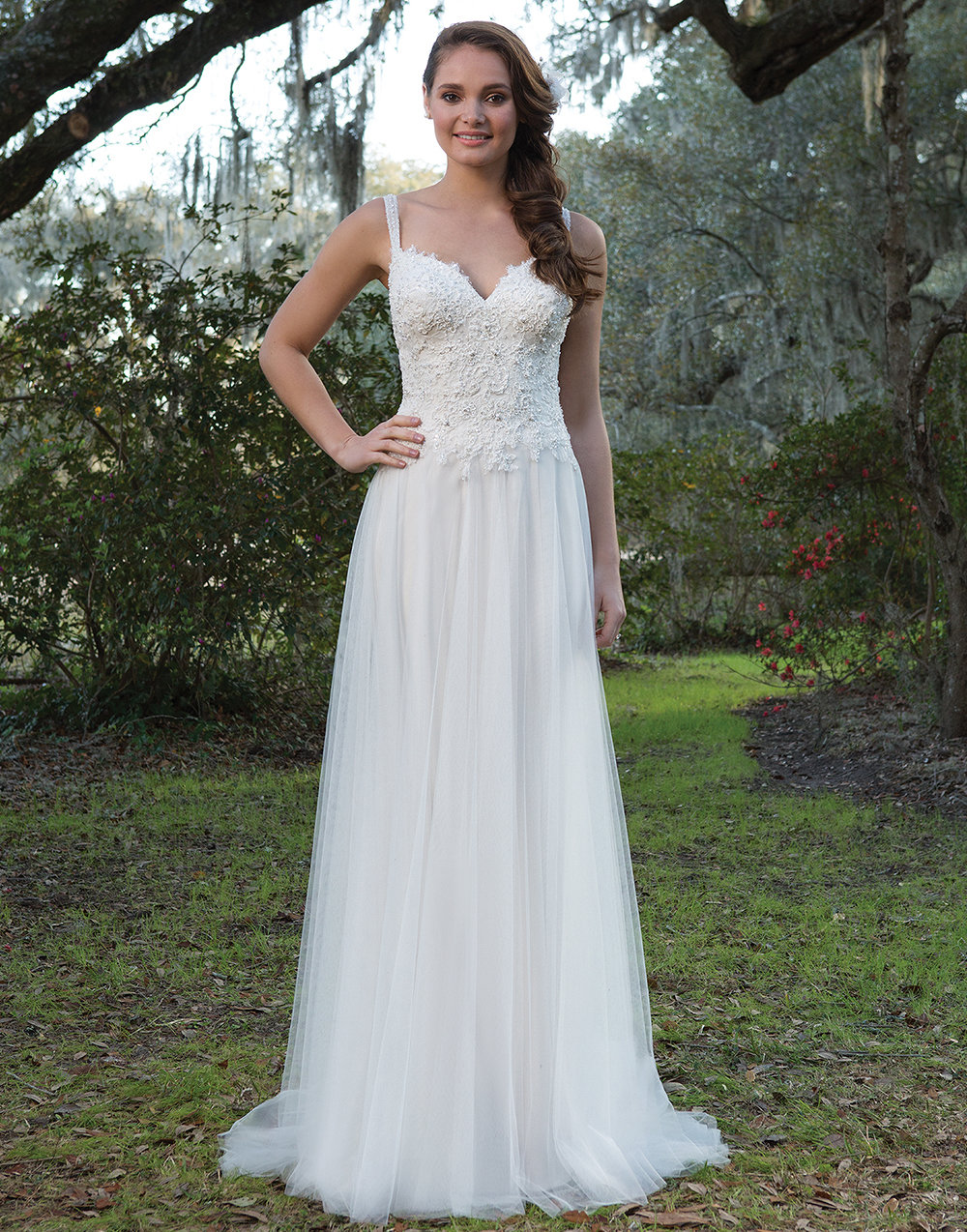 Sweetheart Gowns V-Neck with Sequined Lace Wedding Gown | Wedding ...