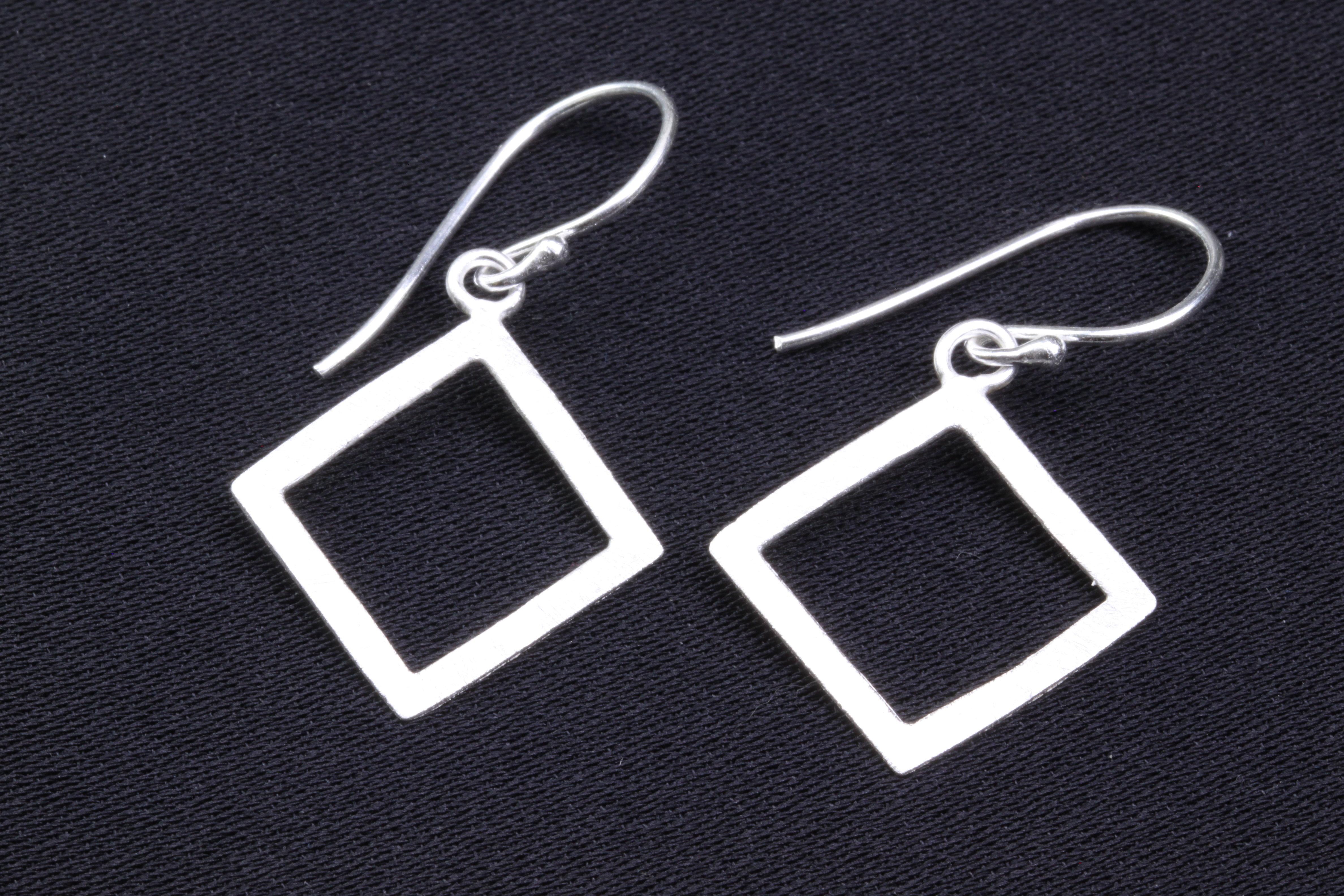 Handgemaakte oorbellen in 925 zilver ERS925051